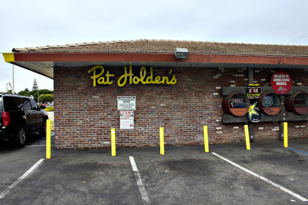 pat-holdens-outside1-e1405478423885